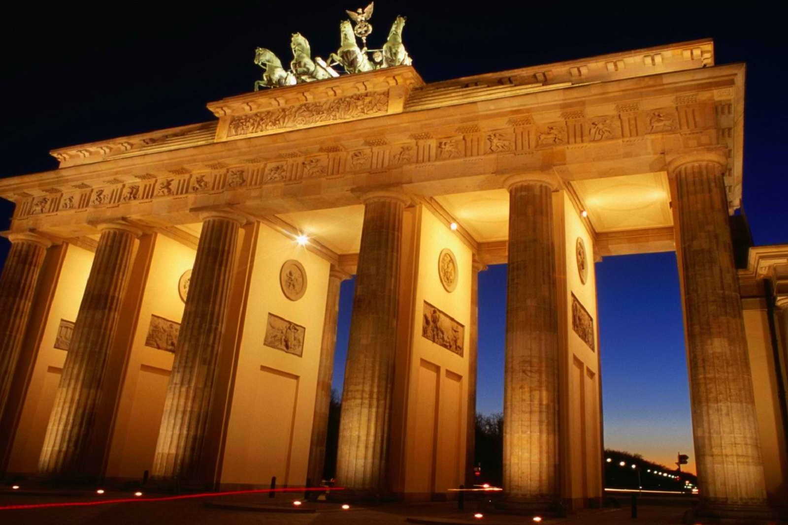 46103 Berlin Brandenburg Gate